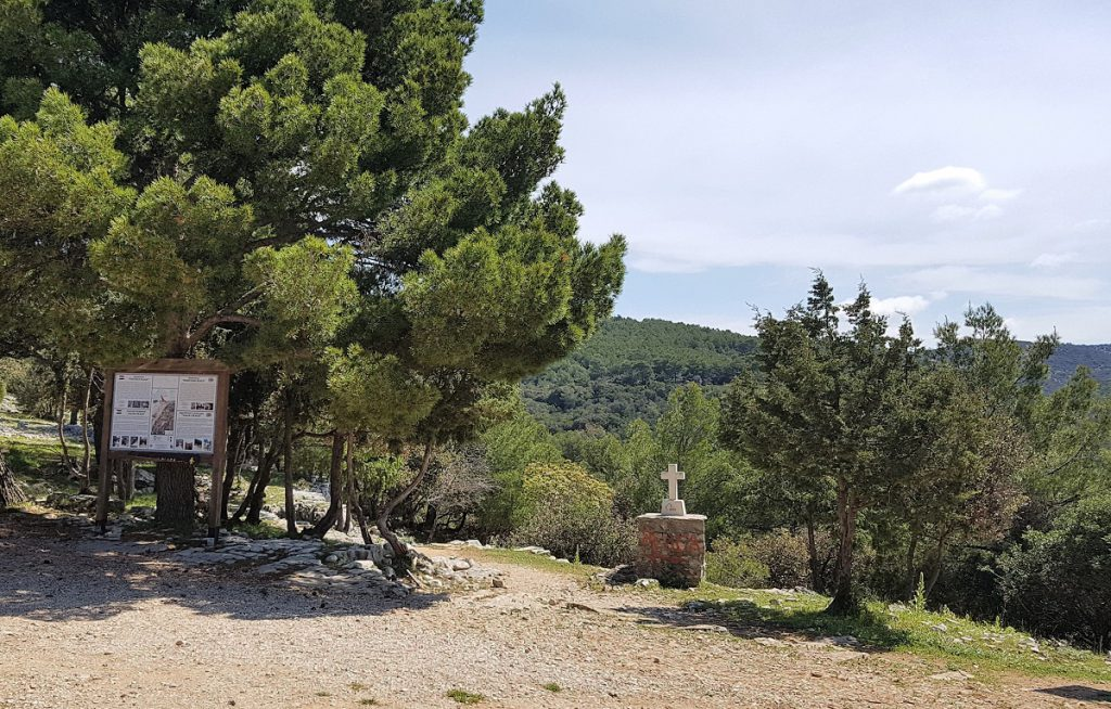 parkeerplaats Blaca klooster op Brac