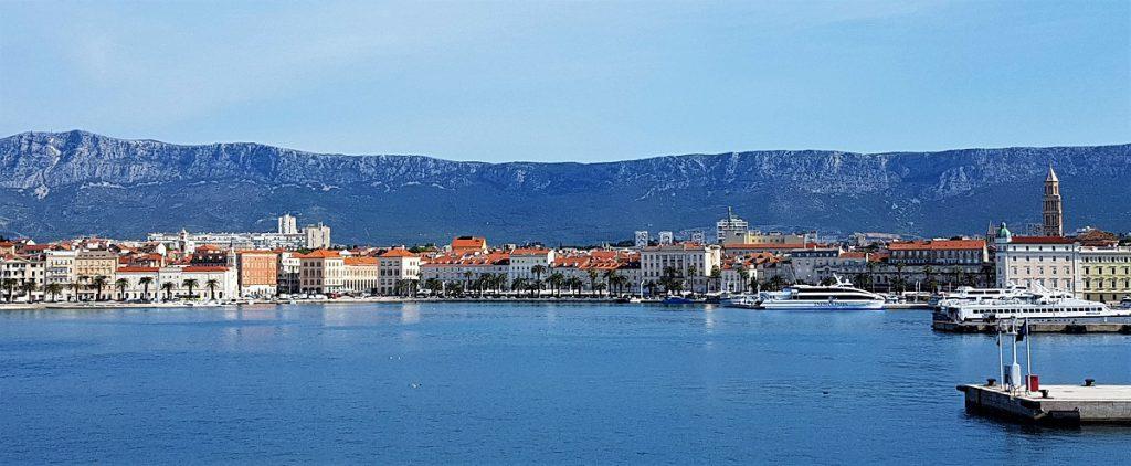 vertrek veerboot uit Split